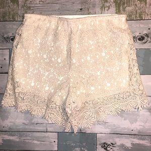 Wishlist Cream Crochet Lace Women's Shorts Size S